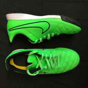 Nike Tiempo Turf soccer cleats youth sz 4Y